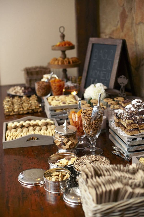 Vintage wedding dessert table