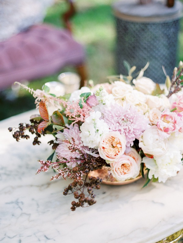Elegant pastel shade wedding flowers