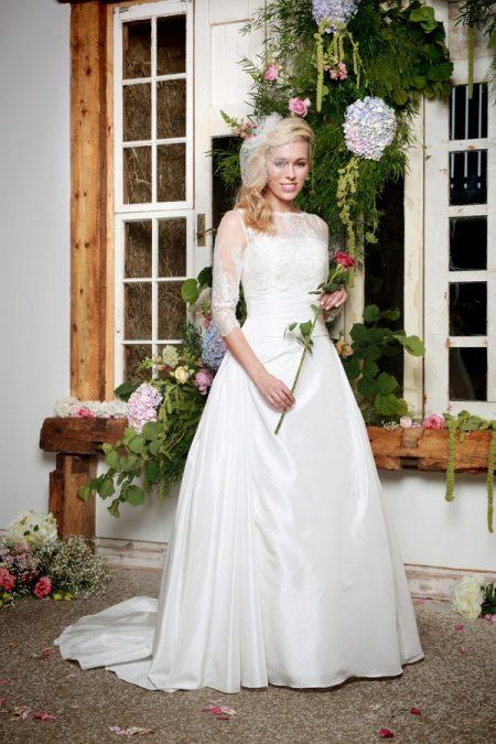Amberley Wedding Dress with Rebecca Jacket - Amanda Wyatt She Walks with Beauty 2017 Bridal Collection