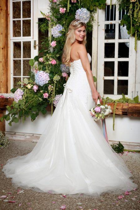 Back of Florianna Wedding Dress - Amanda Wyatt She Walks with Beauty 2017 Bridal Collection