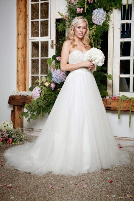 Indra Wedding Dress - Amanda Wyatt She Walks with Beauty 2017 Bridal Collection