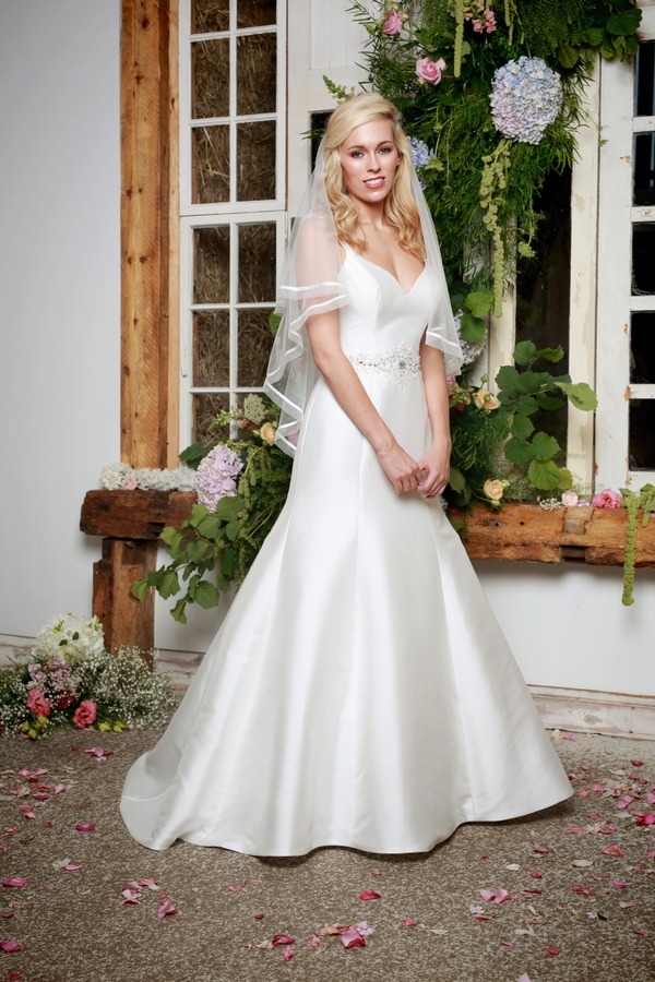 Jewel Wedding Dress - Amanda Wyatt She Walks with Beauty 2017 Bridal Collection