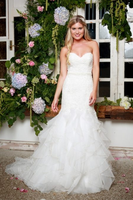 Sabine Wedding Dress - Amanda Wyatt She Walks with Beauty 2017 Bridal Collection