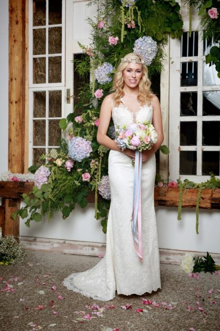 Shiloh Wedding Dress - Amanda Wyatt She Walks with Beauty 2017 Bridal Collection