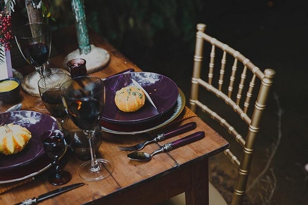 Autumn wedding place setting