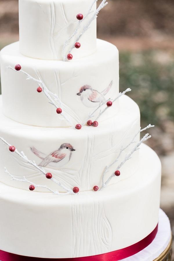 Bird detail on wedding cake