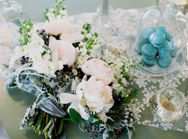 Winter wedding styling details