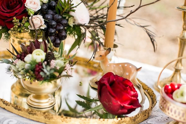 Snow White wedding table decorations
