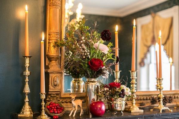 Winter wedding decor on mantelpiece
