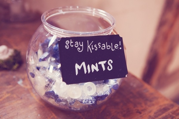 Stay kissable mints