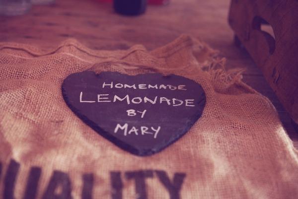 Lemonade sign