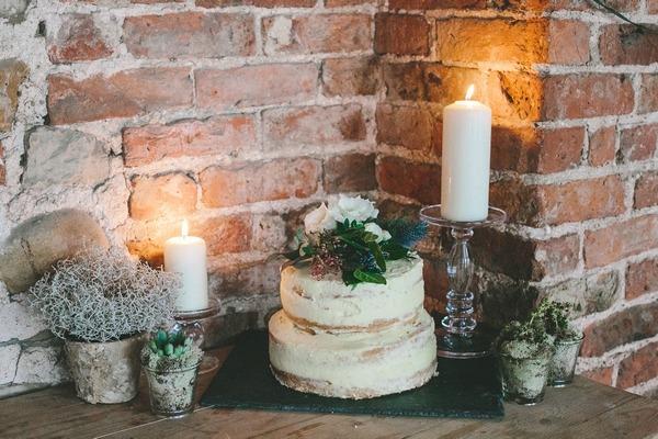 Naked winter wedding cake