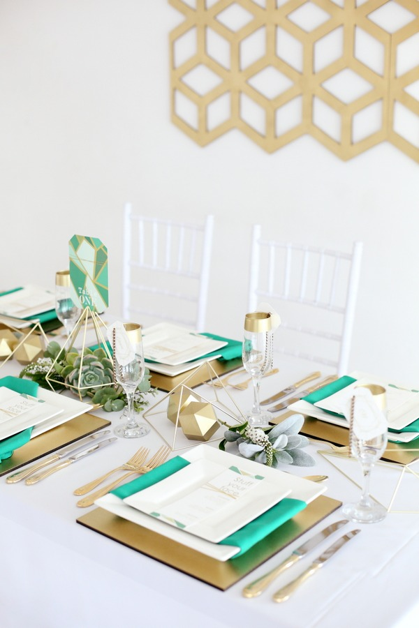Wedding place settings with square plates