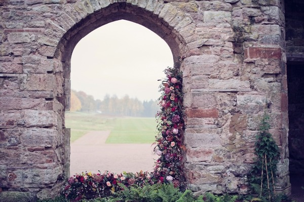 Floral display in arch
