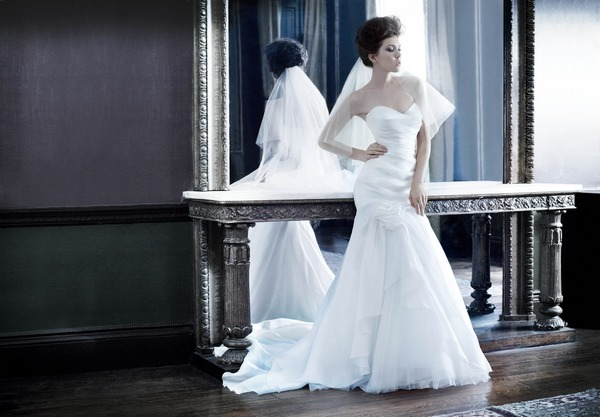 Beautiful wedding dress by Suzanne Neville