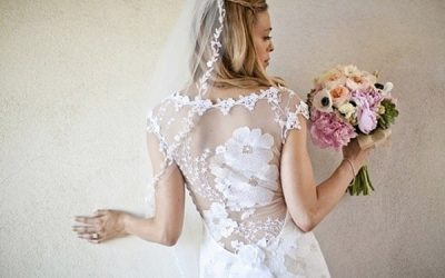 Choosing a Wedding Dress to Suit Your Venue