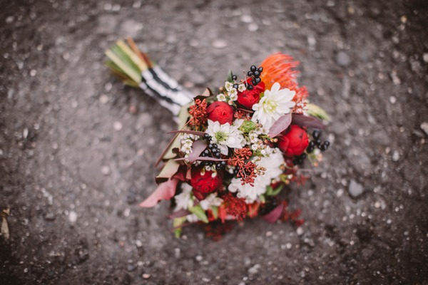 Red autumnal bridal bouquet