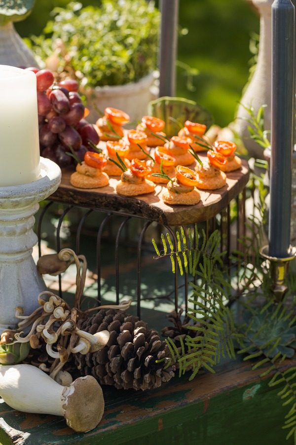 Canapés on wedding grazing station