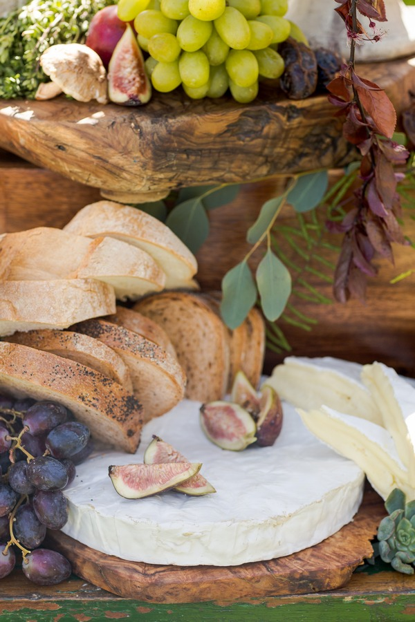 Figs and bread