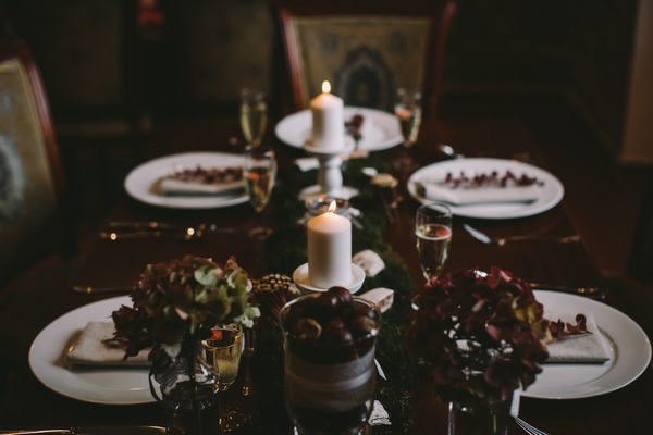 Candles in centre of wedding table