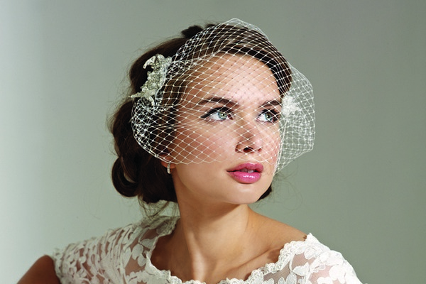 Birdcage Veils – A Guide to the Styles Available