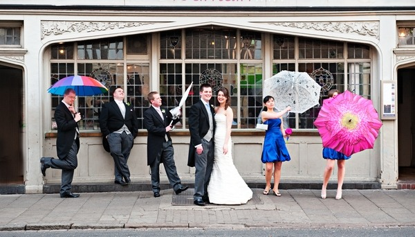 Wedding Umbrellas Come Rain Or Shine The Wedding Community