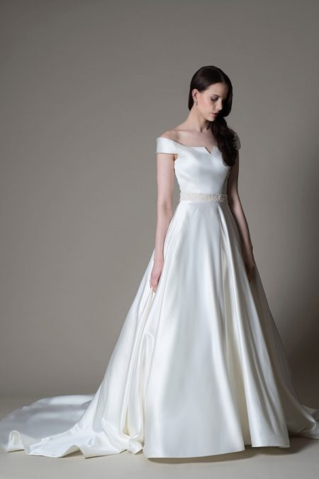 Heather wedding dress from the MiaMia True Romance 2017 Bridal Collection