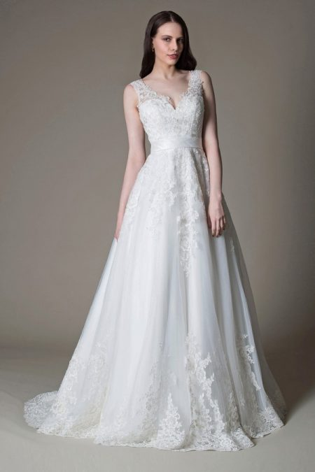 Olivia wedding dress from the MiaMia True Romance 2017 Bridal Collection