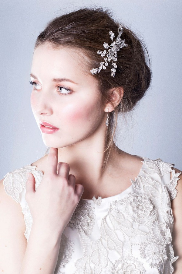 Simple Wedding Hairstyle with Iris Hair Comb
