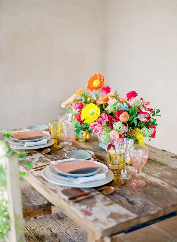 Bright table decor