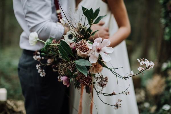 Bride's unstructured bridal bouquet