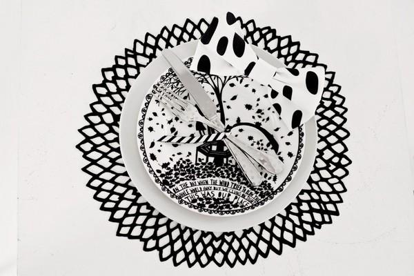 Black and white bow tie napkin