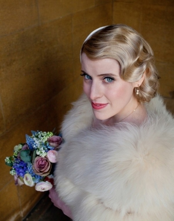 Bride with 1920's - 30's Wave Hairstyle