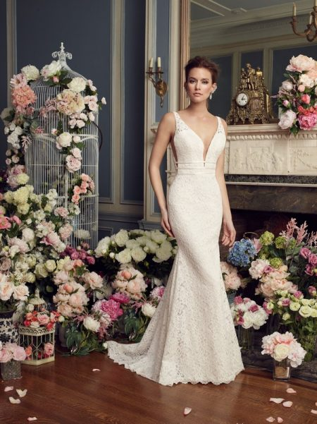 2154 wedding dress from the Mikaella Autumn/Winter 2017 Bridal Collection