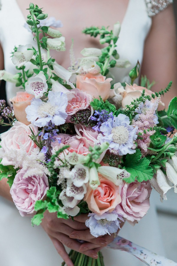 Flowers in pastel bridal bouquet