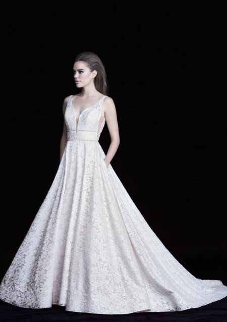 4754 wedding dress from the Paloma Blanca Autumn/Winter 2017 Bridal Collection