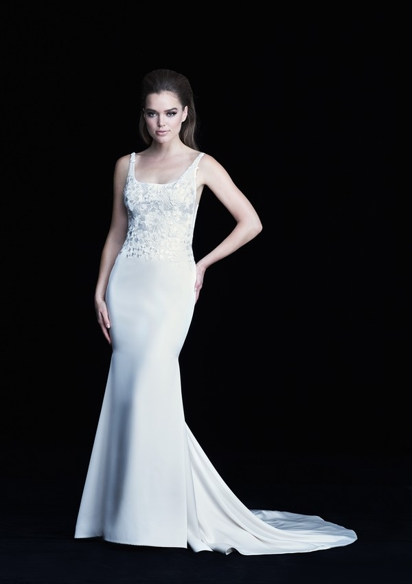 4761 wedding dress from the Paloma Blanca Autumn/Winter 2017 Bridal Collection