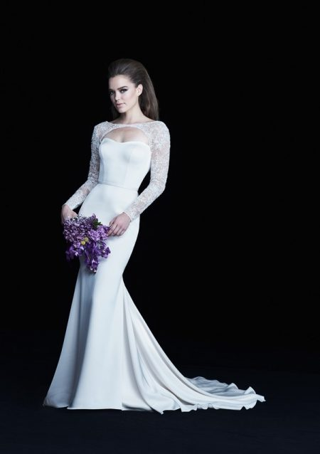 4763 wedding dress from the Paloma Blanca Autumn/Winter 2017 Bridal Collection