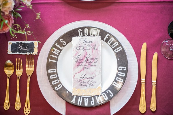 Wedding plate with words around rim