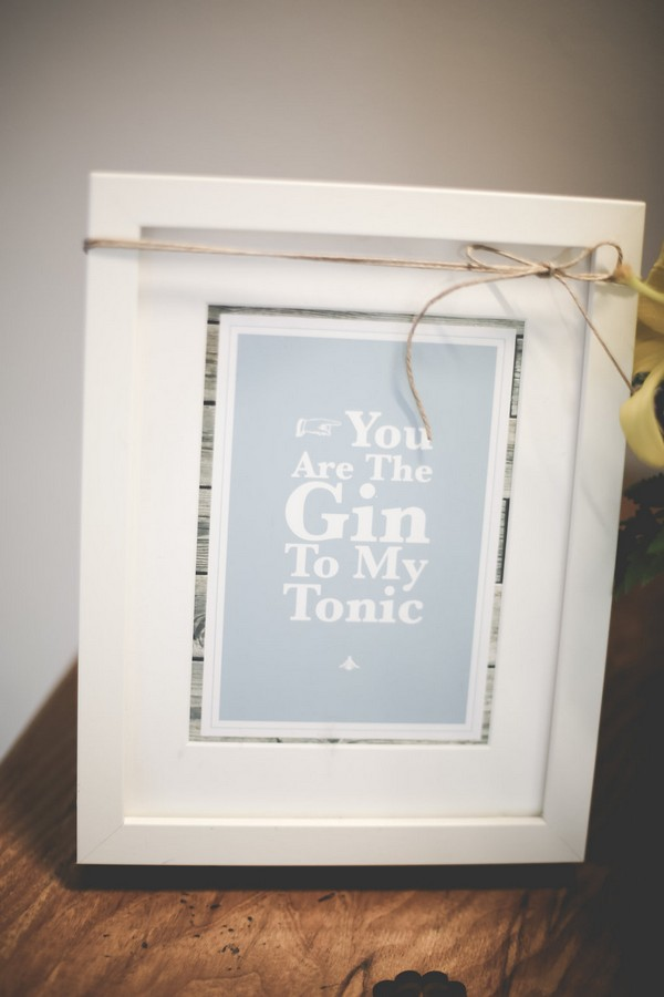 Gin quote sign