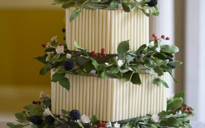 Festive Wedding Cake Ideas