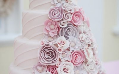 How to Choose Your Wedding Cake Designer