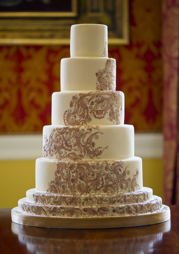 Rani Wedding Cake with Swirl and Crystal Design