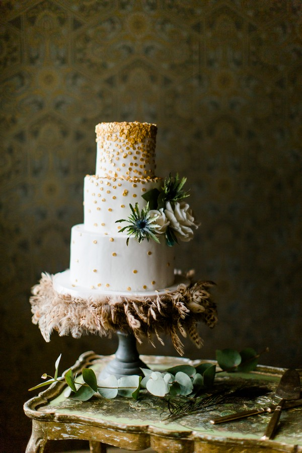 Wedding cake with feathers