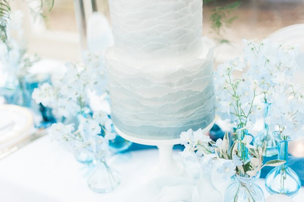 Texture detail to blue ombré wedding cake