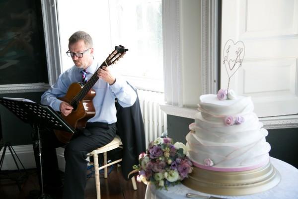 Wedding guitarist Ron Thomas