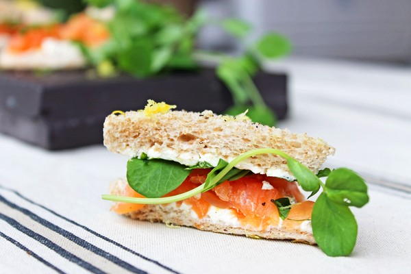 Smoked Salmon Sandwiches with Lemon and Chive Butter