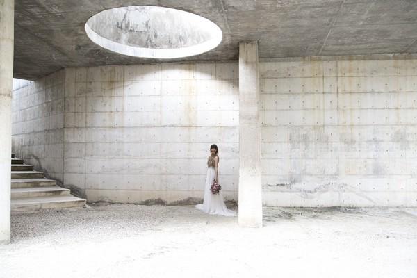 Bride underground in Cementiri Nou