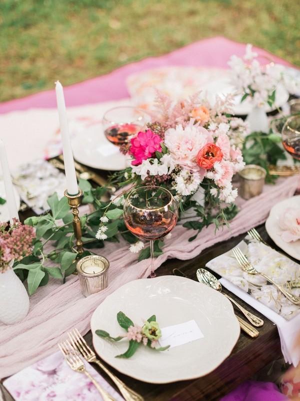 Floral picnic centrepiece