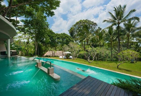 Swimming Pool at Como Shahbhala Estate